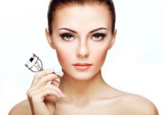 <b>学化妆价格一般都是多少?在北京学化妆多少钱?</b>
