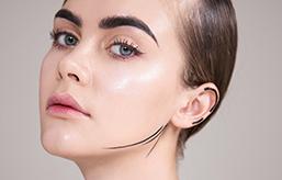 适合女生的长久职业有哪些?女孩子学化妆怎么样?