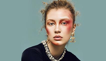 从化妆培训学校出来的化妆师如今都怎么样了?