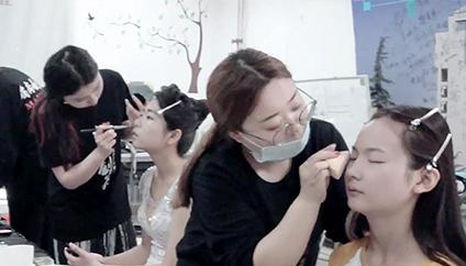 选对化妆培训学校,我获得了梦寐以求的工作